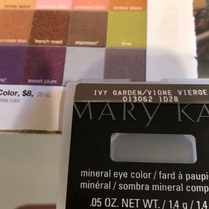 NEW Marykay mineral eye color, Ivy